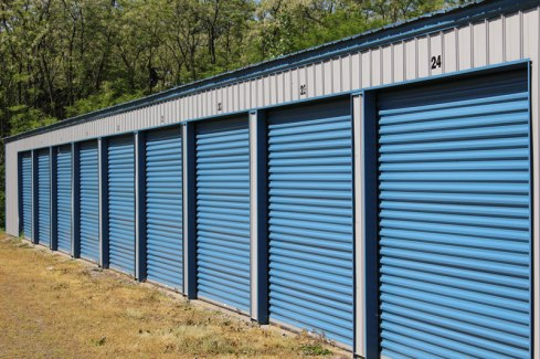 self-storage-units-iStock-475842662-800px